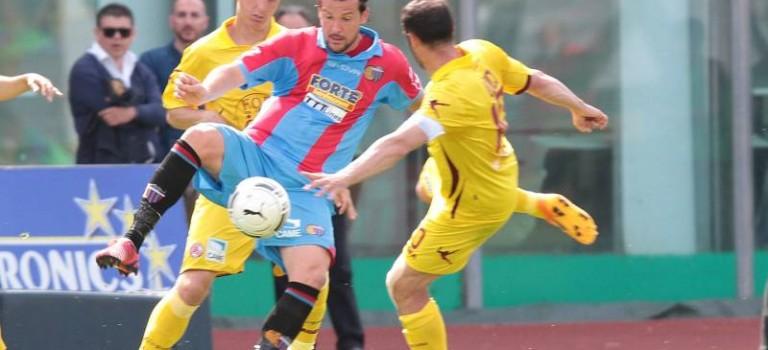Catania-Livorno 1-1: l'ultimo canto del gallo